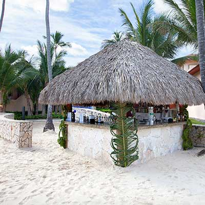 bar en la playa de majestic colonial