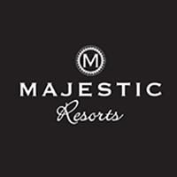 logo en negro majestic resorts
