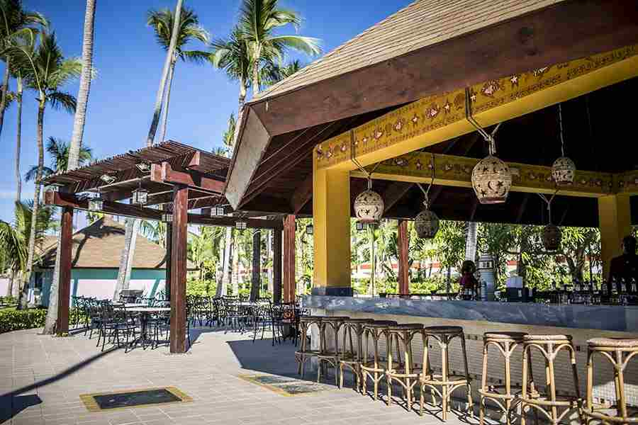 majestic colonial punta cana outdoor bar